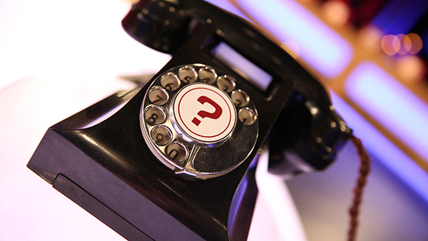 The Banker's phone in the Deal or No Deal studio